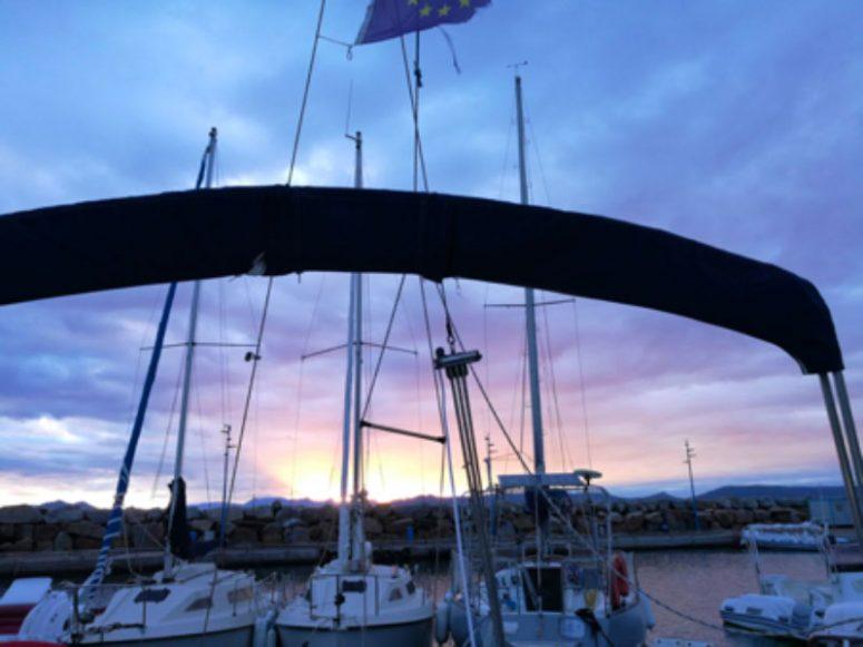 buongiorno in barca a vela alba