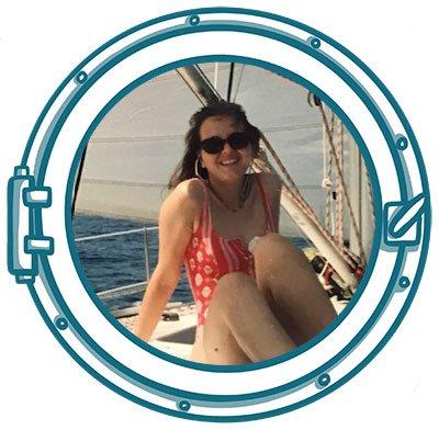 Monica Farina in barca a vela da giovanissima